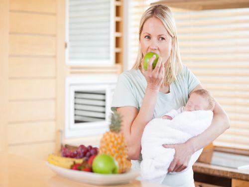 Hình minh họa: Ghi nhận rất nhiều trường hợp nuôi con bằng sữa mẹ ăn chay bé tăng trưởng đạt chỉ tiêu