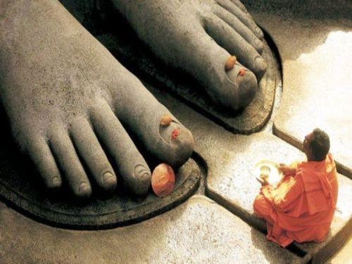 Hình minh họa: Bên cạnh ăn chay, bạn cần tích cực hướng thiện, làm điều lành