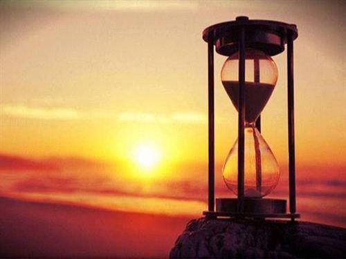 Hình minh họa: Thời gian cho chúng ta thấy sự vận động và phát triển