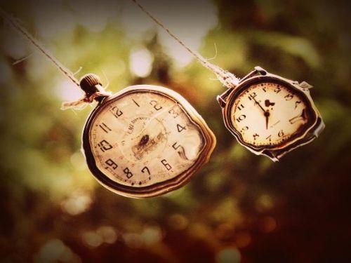 Hình minh họa: Thời gian là là một khái niệm trưu tượng