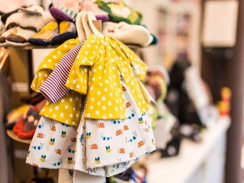 Hình minh họa: Kinh doanh quần áo online trên facebook